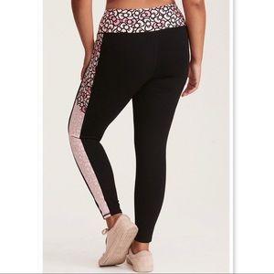 203a3de7a torrid Pants | Hello Kitty Active Bow Print Leggings | Poshmark